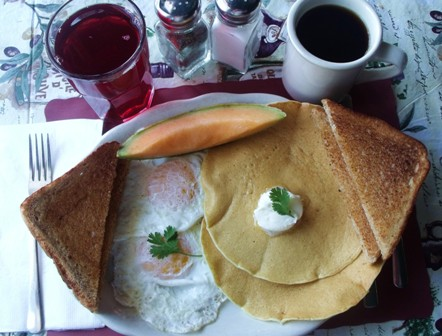 Combo breakfast special at Mama Leone's
